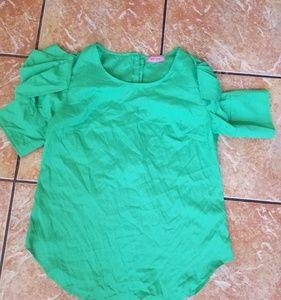 Tops - NWOT green stylish blouse